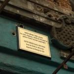 〈沙菲.貝荷之家〉建築外牆上的說明牌。